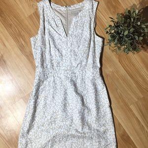 Banana Republic V Neck Cheetah Print Dress Size 8